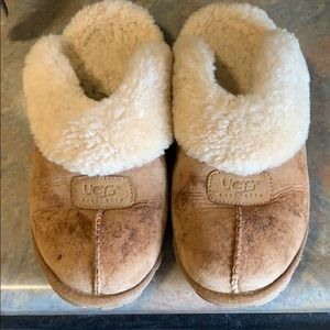 Women's Clog Style Uggs size 9